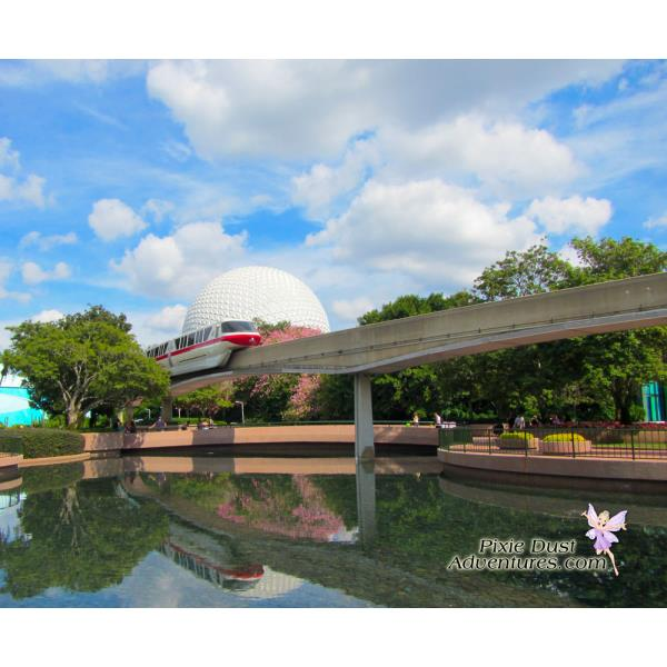 Monorail-in-epcot