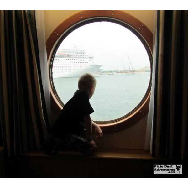 Disney Magic Oceanview Stateroom-03