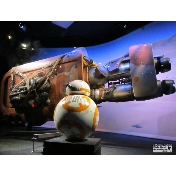 Hollywood-Studios-Launch-Bay-BB8