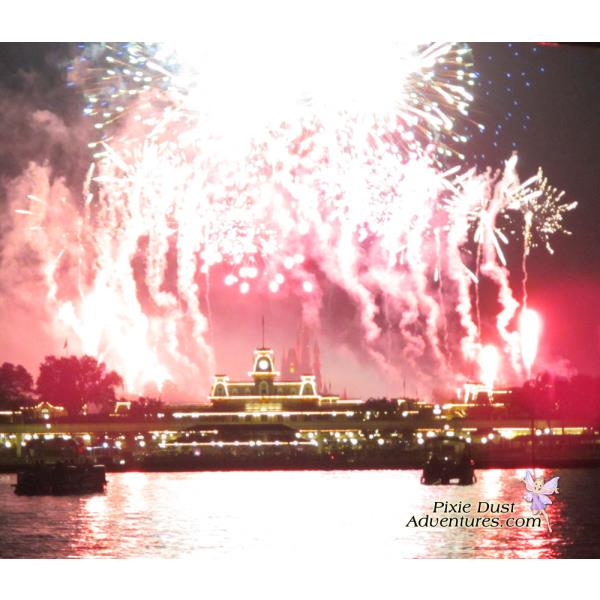 Pirates-and-pals-fireworks-voyage-14